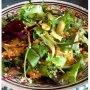 Теплый салат с рукколой и оливками