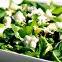 Салат из зеленого горошка, авокадо и зелени