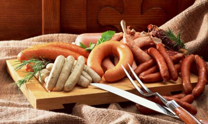 Колбаса и сосиски