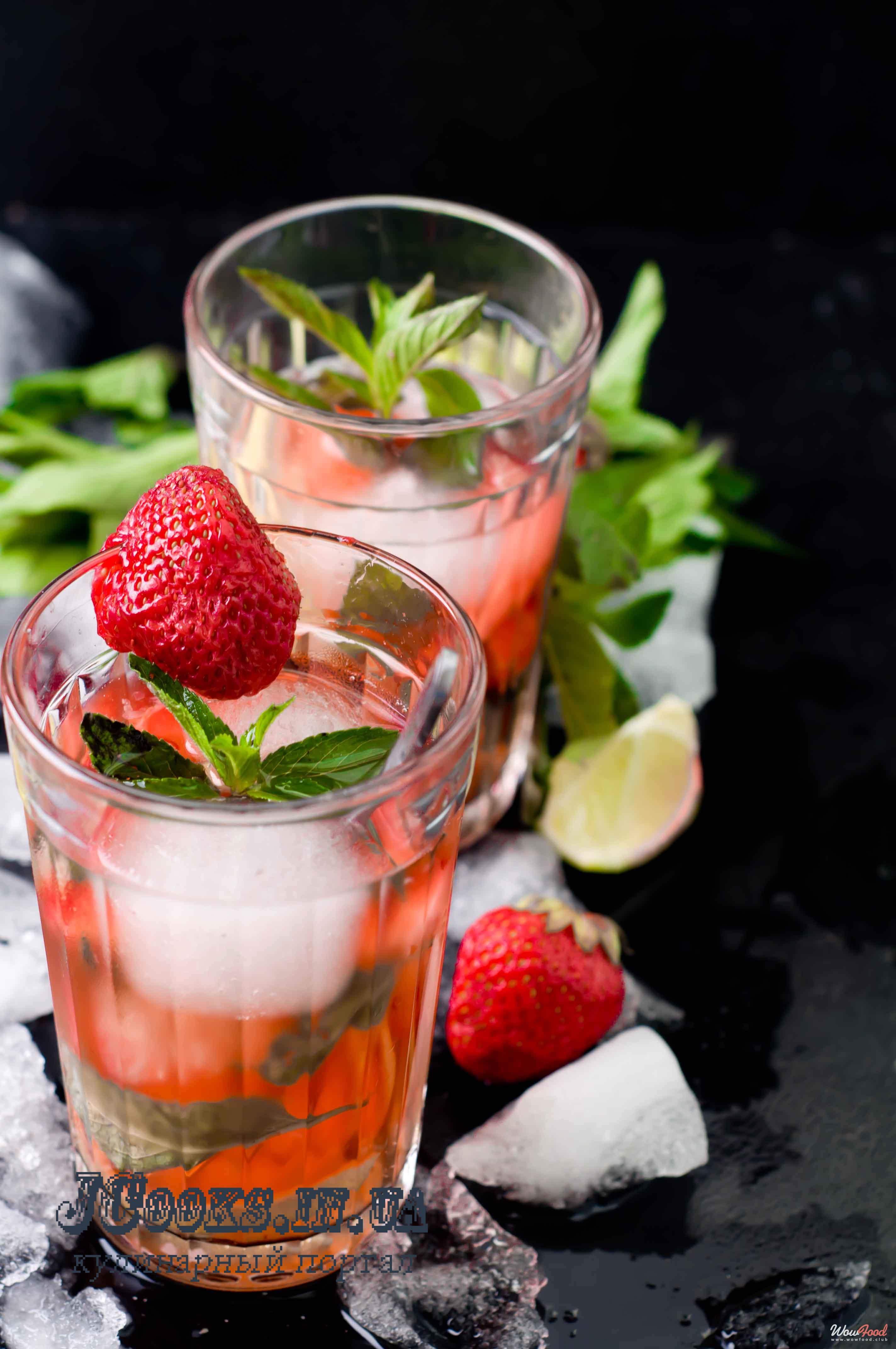 Лимонад с мятой, тархуном и клубникой